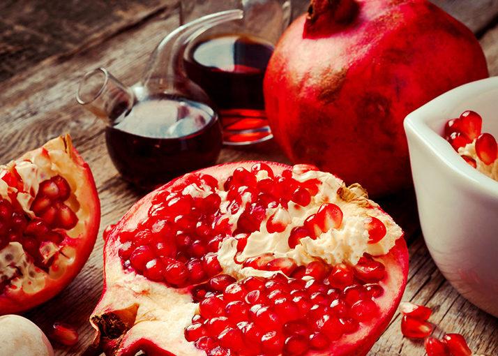 Ventre plano de essências de frutos vermelhos